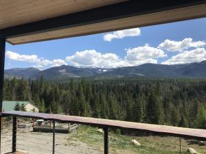 800 Moose Run, Sandpoint, ID 83864