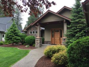 9725 N COUNTRY CLUB DR, Hayden Lake, ID 83835