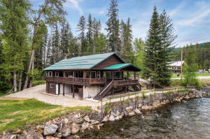 4829 Upper Pack River Rd, Sandpoint, ID 83864