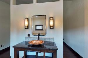 en suite in guest accommodations
