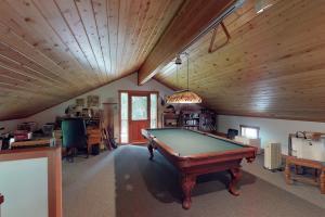 Game room over garage