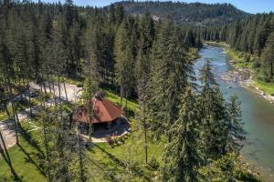 1315 W Cemetery Road, Priest River, ID 83856