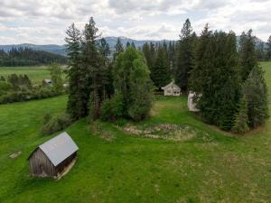 29309 E Hardy Loop, Cataldo, ID 83810