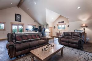 Expansive Bonus Room