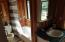 Full main floor bath room.