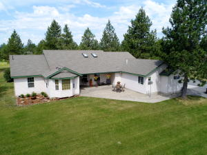 Very desirable NEW Silver Meadows Listing. This Ranch style 1- Level home sits on 5 level and fully fenced acres.