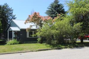 1323 Lake St, Sandpoint, ID 83864
