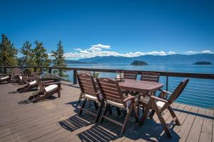 795 Warren Island Shore, Hope, ID 83836