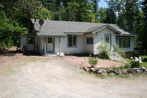 2391 Sunnyside Rd, Sandpoint, ID 83864