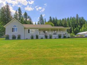 6735 Labrosse Hill St, Bonners Ferry, ID 83805