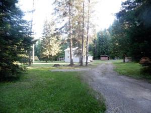 3694 Lower Quartz Creek Rd, Priest River, ID 83856