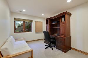 Mid Level OfficeBedroom