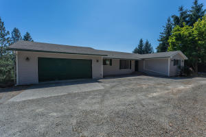 16592 W Hollister Hills Dr, Hauser, ID 83854