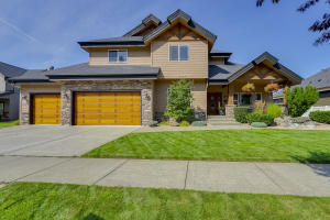 Largest home in the this pristine Rocking R's subdivision!