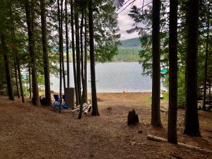 1968 Wooded Acres Dr, Sagle, ID 83860