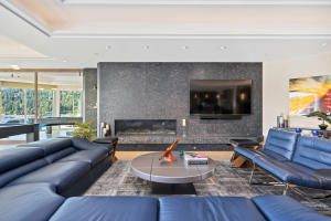 Gas Fireplace for warm ambiance