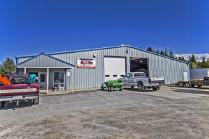 1200 Fontaine DR, Ponderay, ID 83852
