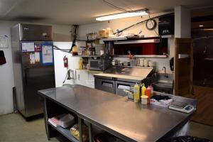 Boars Nest Kitchen 2