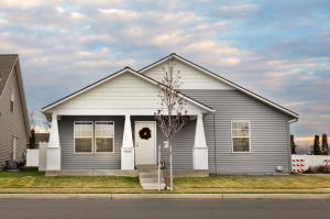 Great Single Level Home in Crown Point with 3 Beds, 2 Baths, Open Concept, Constructed 2018