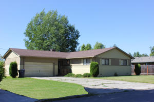 1619 Hickory St, Sandpoint, ID 83864