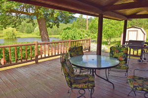 Outdoor Dining W Pond View[35549]