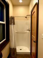 Studio Full  Bathroom 3