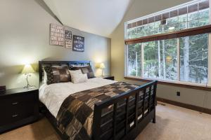 018_Bedroom