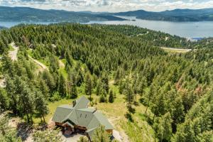 1585 S Grouse Meadow Dr, Coeur d