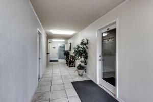 920 W Ironwood Drive-15
