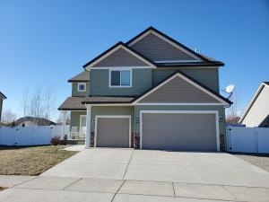 8708 N BOYSENBERRY LOOP, Hayden, ID 83835