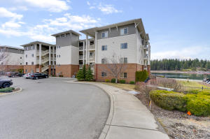 355 W WATERSIDE DR, #105, Post Falls, ID 83854