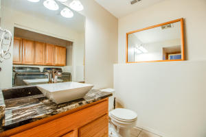 25_Guest Bath_2