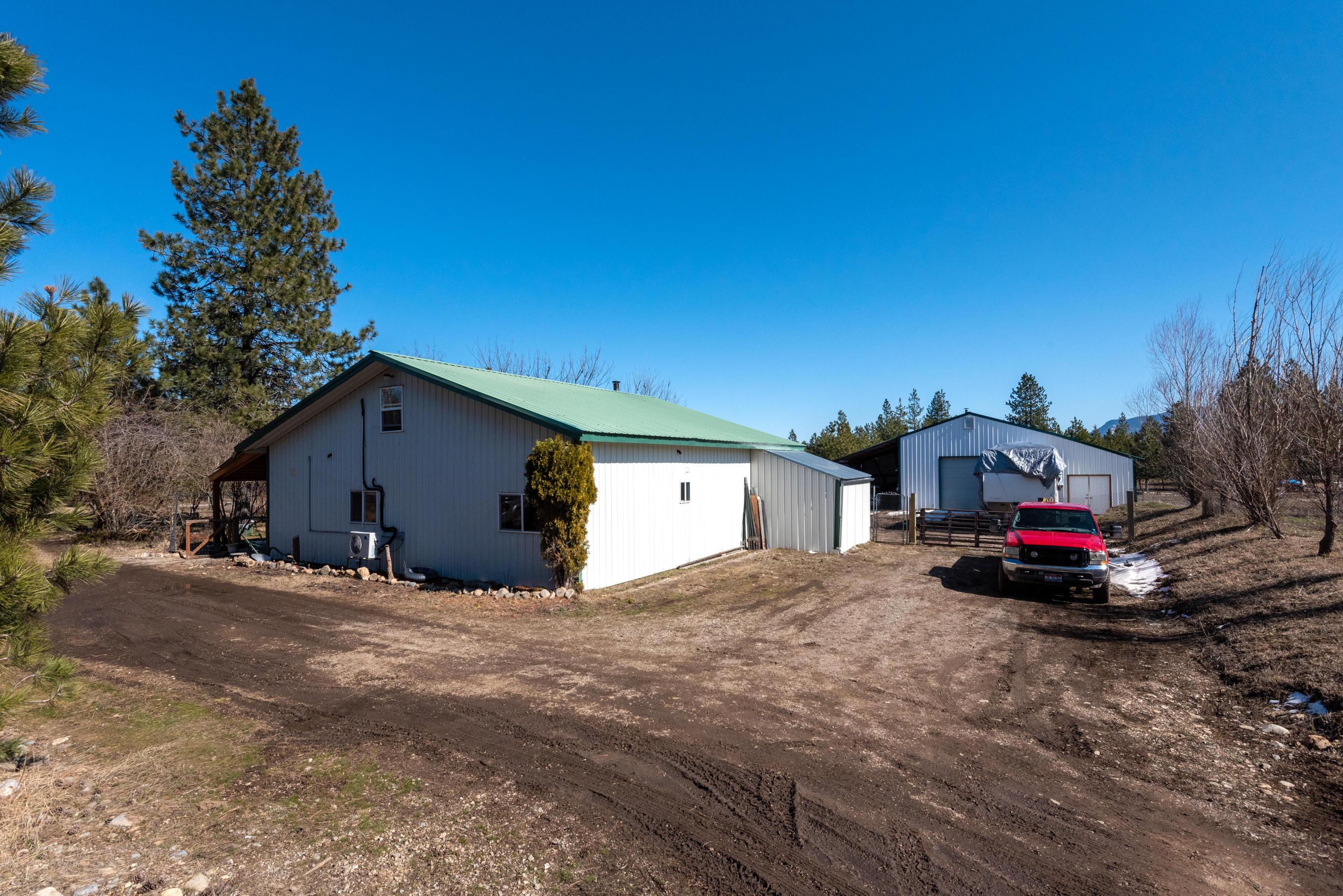 photo of 33352 N ROBERTS RD Athol Idaho 83801