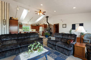 --11-Family Room to Kitchen