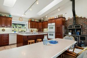 --13-Kitchen2