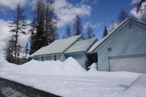 49 Snowplow Rd, Sandpoint, ID 83864