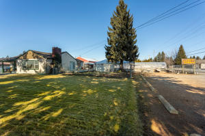 37 W WYOMING AVE, Hayden, ID 83835