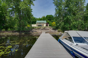 40Back of home & dock-SMALL