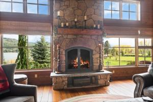 10- Floor to Ceiling Fireplace