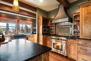 25- High-end Appliances