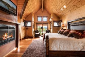 30- Master Bedroom Suite
