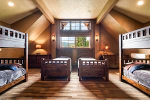 39- Bunkroom or Media Room Suite