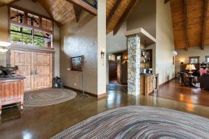 44- Foyer Towards Guest Suite