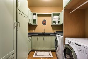 49- Laundry Room