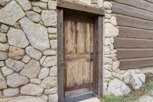 52- Wine Cellar Door