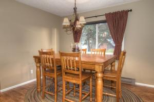 62- Guest Home Dining Room
