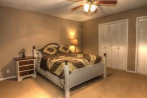 65- Master Suite in Guest Home