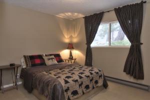 67- Guest Home Guest Bedroom
