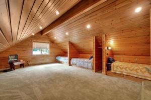 Bunkroom/Great Room