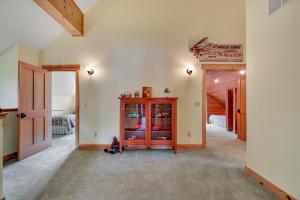 Open area Upstairs